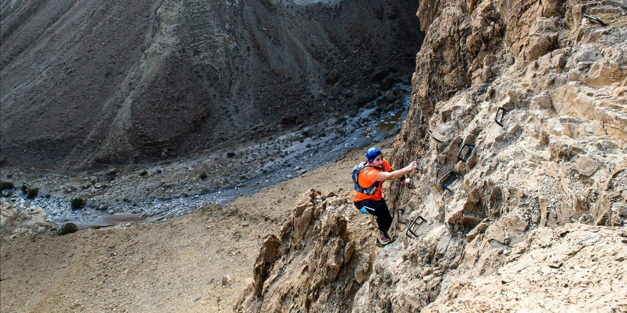 Climbing the Zeelim cliff during the Masada Challenge 2016